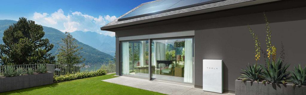 Das Tesla Solar Roof speist die Tesla Powerwall.
